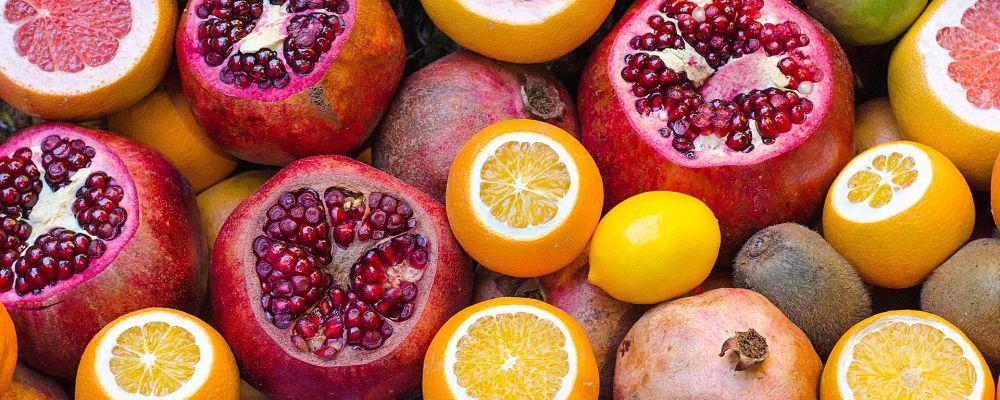 Vitamina C ndihmon trupin në këto mënyra