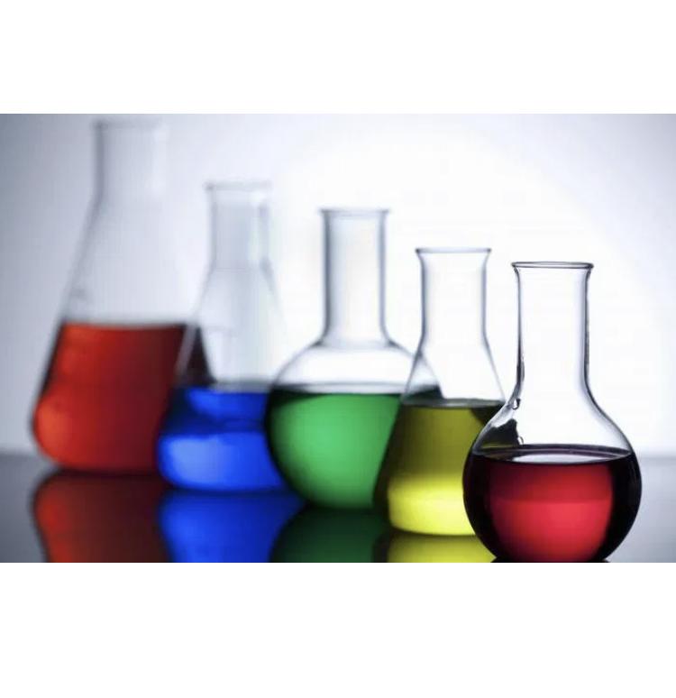 Cili është elementi i vetëm te metalet alkaline që reagon me azot?
